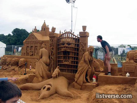 _amazing_sand_sculpture.jpg